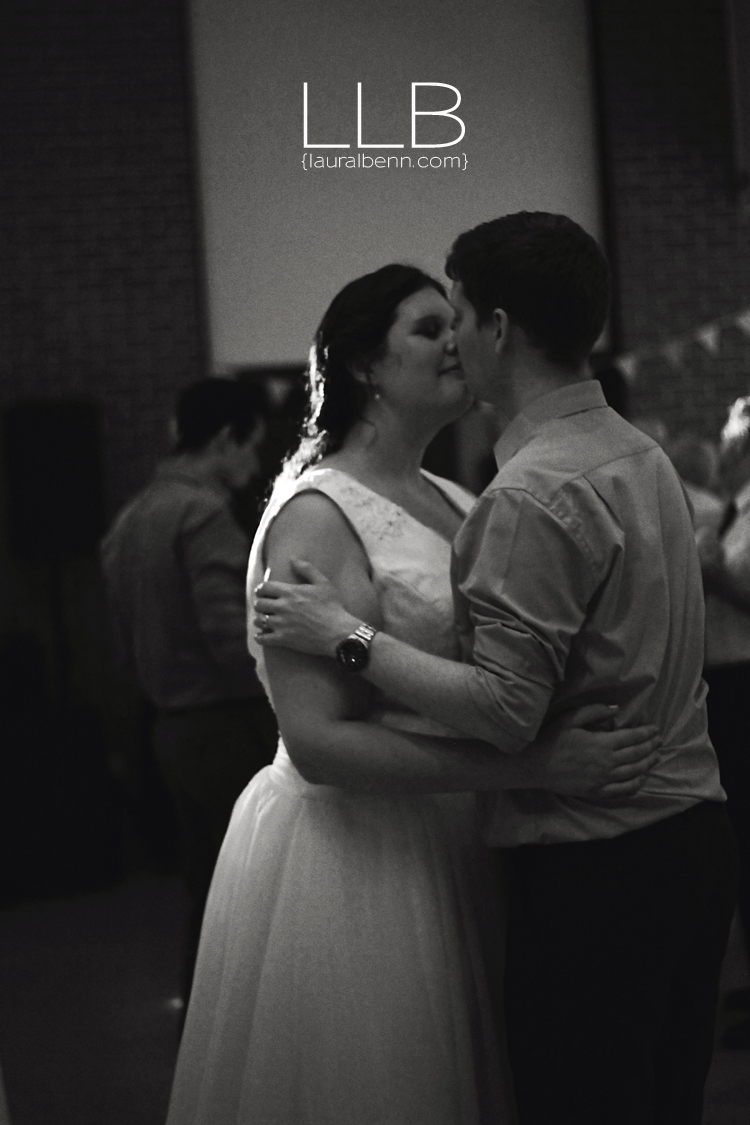 Toronto-wedding-photographer-LLB-Creative-first-dance