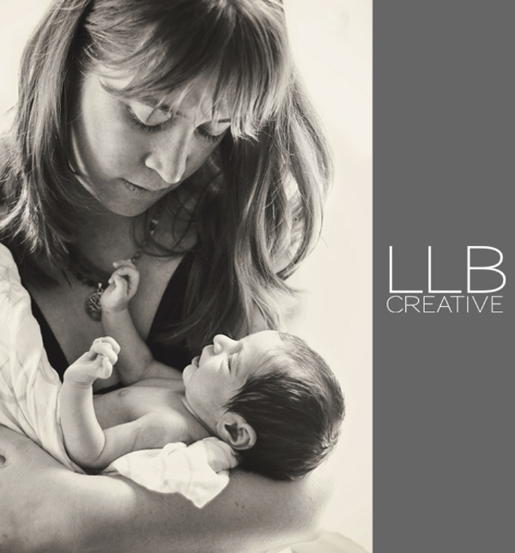 Toronto-newborn-photographer-LLB-Creative-candid-moments
